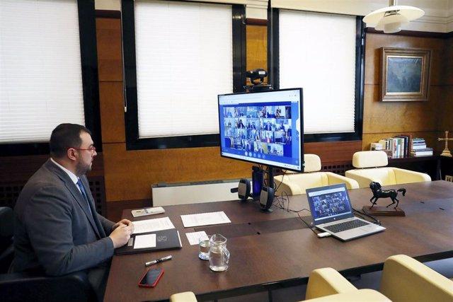 El presidente del Principado, Adrián Barbón, participa en la reunión de los presidentes autonómicos y el presidente del Gobierno sobre la crisis sanitaria del coronavirus