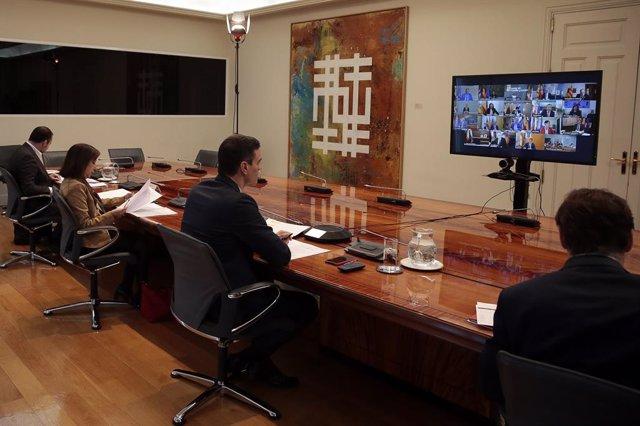 Imatge de la conferència de Sánchez amb els presidents autonòmics.