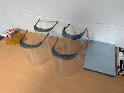 Empresas y particulares onubenses se organizan para abastecer material sanitario mediante la impresión 3D