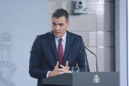 Sánchez impulsa el autoabastecimiento de material sanitario y dice que las medidas económicas durarán un mes