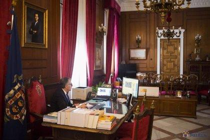 """El presidente de Melilla pide a Sánchez el envío de un """"barco hospital"""" durante la crisis del coronavirus"""