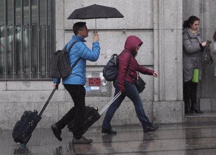 Las lluvias afectarán mañana a la mitad oriental peninsular, Canarias y Baleares