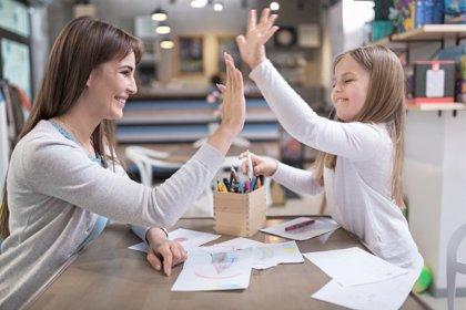 """Un experto aconseja """"responsabilidad y autocontrol"""" como """"claves para ser profesores de nuestros hijos"""" en casa"""