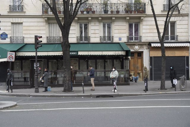 Coronavirus.- Francia informa de 112 muertos por coronavirus por segundo día con