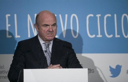 """Guindos (BCE) defiende una """"renta mínima de emergencia"""" para evitar una crisis social por la pandemia"""