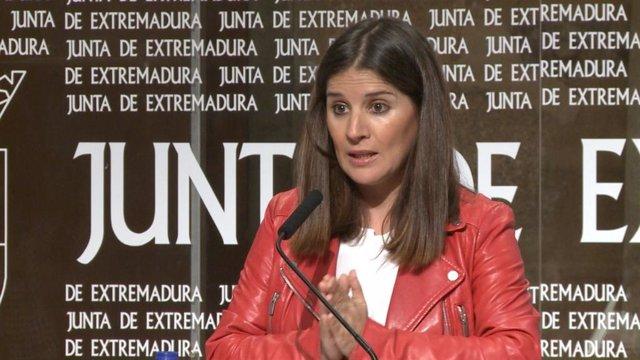 Imagen de archivo de la portavoz de la Junta, Isabel Gil Rosiña, en una rueda de prensa