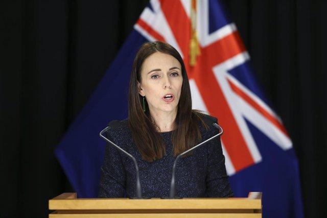 Coronavirus.- Nueva Zelanda decreta el cierre de servicios no esenciales y antic