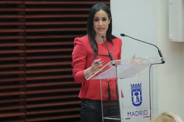 La vicealcaldesa de Madrid, Begoña Villacís, durante una rueda de prensa. Archivo.