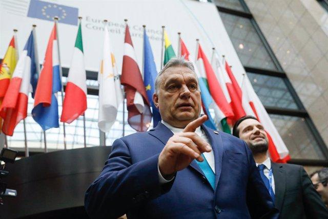 """Hungría.- Bruselas recuerda a Orban que toda medida por el Covid-19 debe ser """"te"""