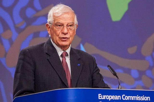 UE.- Borrell espera que la nueva misión naval de la UE esté lista a final de mar