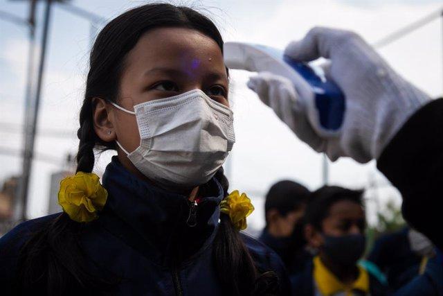 Coronavirus.- Nepal impone el confinamiento de la población tras confirmar un se