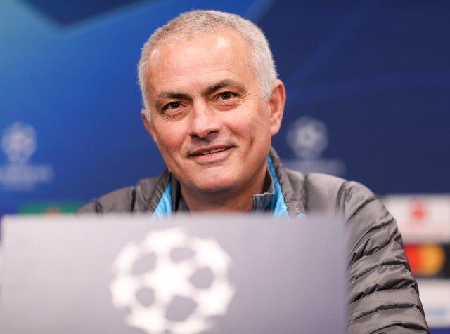 Fútbol.- José Mourinho se une como voluntario a la lucha contra el coronavirus c