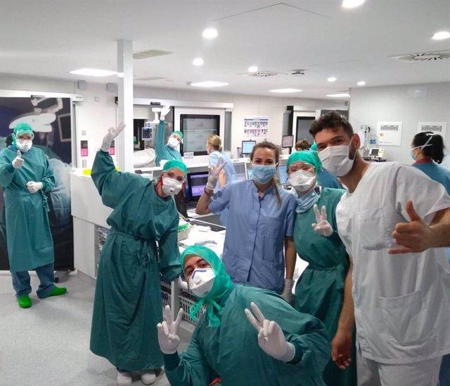 Sanitarios en la Clínica Universidad de Navarra.
