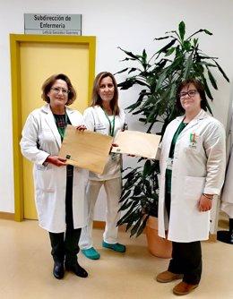 Entrega de cartas para aislados con coronavirus en Granada