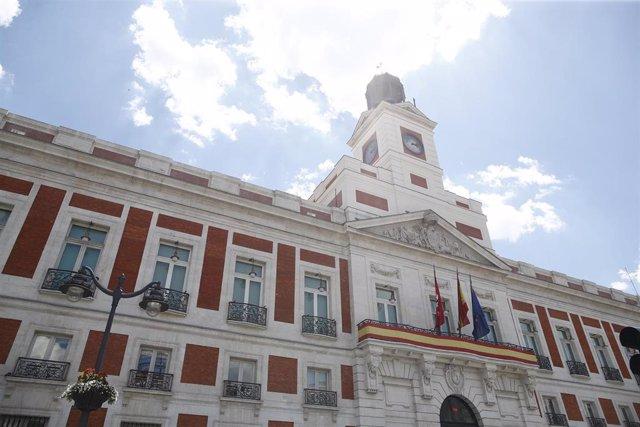 Imágenes de la fachada de la Real Casa de Correos de Madrid.
