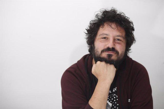 Juan Gómez Canca, conocido artísticamente como El Kanka, posa tras una entrevista para Europa Press en la que presentó su gira de conciertos en grandes recintos con término en el WiZink Center de Madrid. EL KANKA  ; ;Eduardo Parra