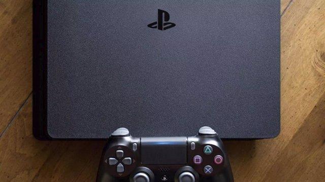 PS4 se convierte en la segunda consola de sobremesa más vendida de la historia