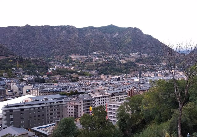 Andorra la Vella vista des del Rec de l'Obac