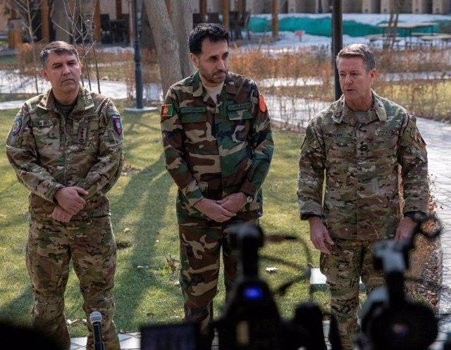 """Afganistán.- La misión de la OTAN dice que los talibán """"recibirán una respuesta"""""""