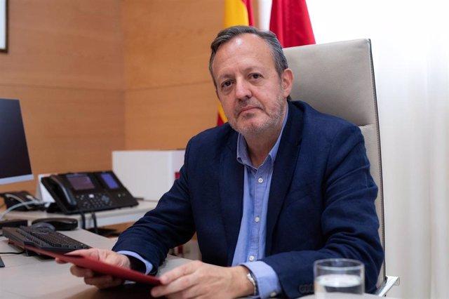 Imagen de recurso del consejero de Políticas Sociales, Igualdad y Natalidad de la Comunidad de Madrid, Alberto Reyero, durante una entrevista con Europa Press.