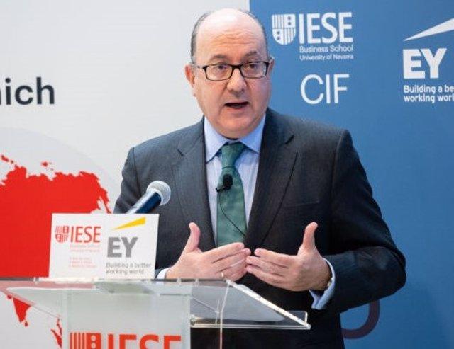 El presidente de AEB, José María Roldán, en el Encuentro del Sector Bancario organizado por IESE e EY en diciembre.