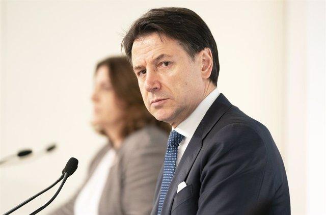 Coronavirus.- Conte anuncia nuevas multas de entre 400 y 3.000 euros a quienes i