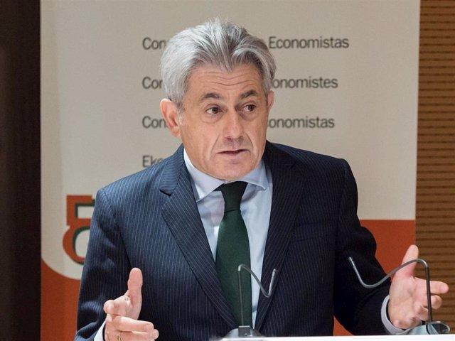 El presidente del Consejo General de Economistas de España, Valentín Pich