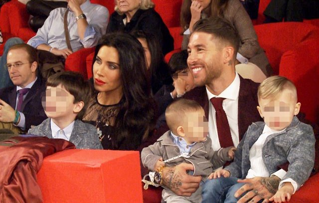 Demostrando que son una familia de lo más unida y feliz, Pilar Rubio y Sergio Ramos, junto a sus tres hijos Sergio JR, Marco y Alejandro