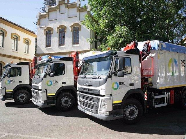 Camiones del Consorcio Provincial de Residuos Sólidos Urbanos (RSU)