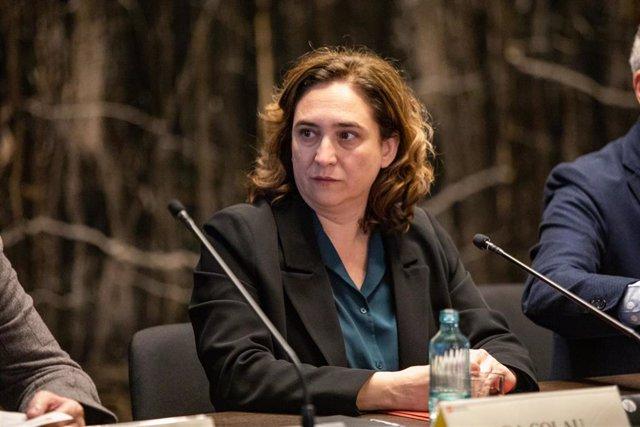 La alcaldesa de Barcelona, Ada Colau, durante la reunión con agentes económicos tras la cancelación del Mobile World Congress, en Barcelona (Catalunya / España), a 14 de febrero de 2020.