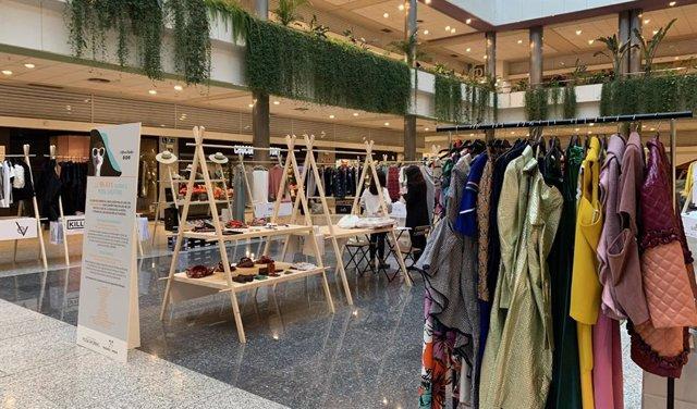 Imagen de las colecciones expuestas en el 'Pop Up Madrid', que tiene lugar en el Centro Comercial Moda Shopping.