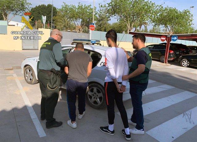La Guardia Civil detiene a dos jóvenes por robar en viviendas de Torre Pacheco, La Palma y Pozo Estrecho