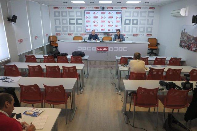 Los secretarios generales de UGT y CCOO en Castilla y León, Faustino Temprano (i) y Vicente Andrés (d), respectivamente, en rueda de prensa virtual.