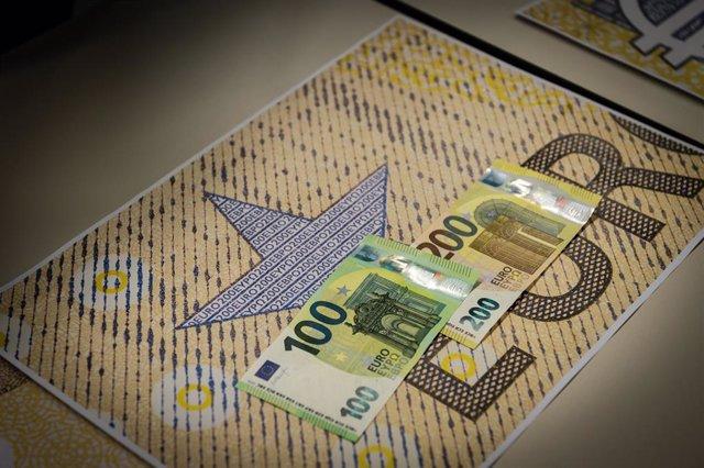 Nous bitllets de 100 i 200 euros (maig 2019)