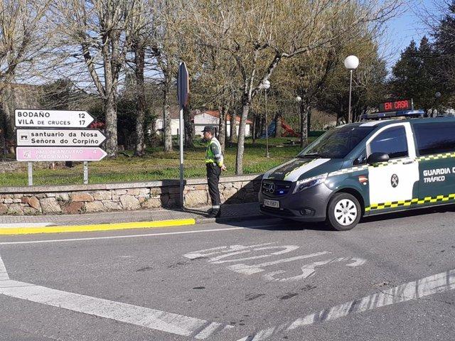 La Guardia Civil localiza a un joven haciendo el Camino de Santiago en Lalín.