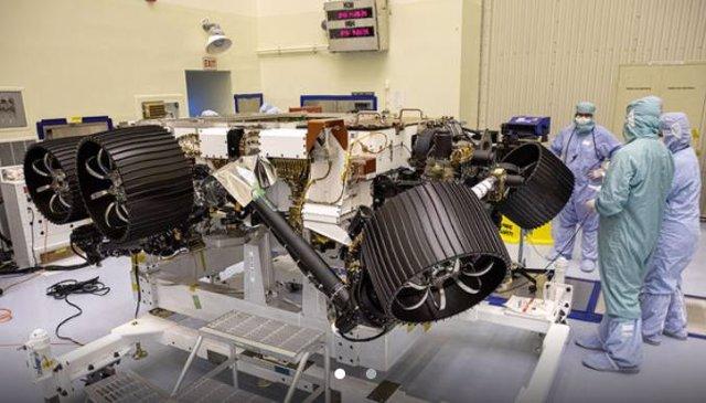 La NASA suspende el telescopio Webb pero mantiene el rover a Marte