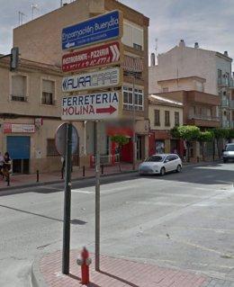 El concejal de Cambiemos Murcia, Nacho Tornel, ha dicho que el Ayuntamiento incumple la Ordenanza de Publicidad Exterior