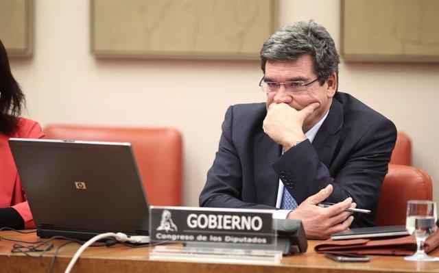El ministro de Inclusión, Seguridad Social y Migraciones, José Luis Escrivá, en el Congreso de los Diputados el 5 de marzo de 2020.