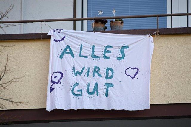 """Un cartel en Alemania con el lema """"todo va a salir bien"""""""