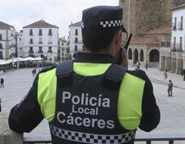 Un agente de la Policía Local de Cáceres