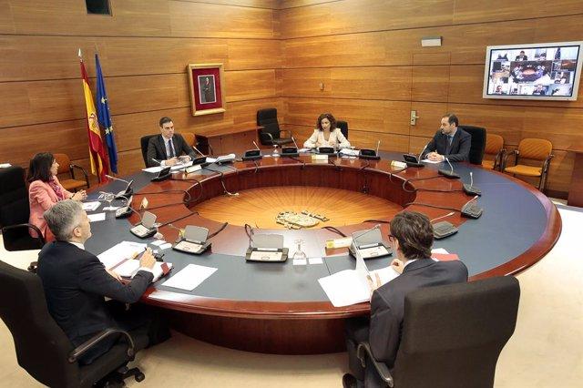 El Gobierno actualiza su representación en la Comisión Bilateral con Cataluña