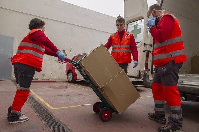 Colaboración entre Lidl y Cruz Roja para dar alimentos a personas mayores
