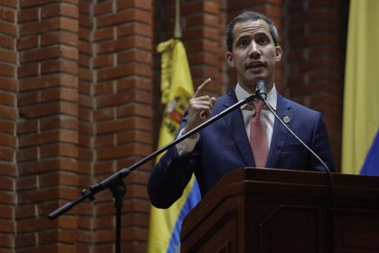 """Coronavirus.- El equipo de Guaidó traslada a Borrell la """"grave realidad"""" de Venezuela ante el coronavirus"""