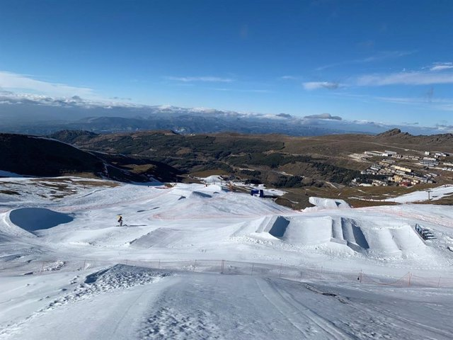 Sierra Nevada, preparada para la Copa del Mundo de Snowboard Cross