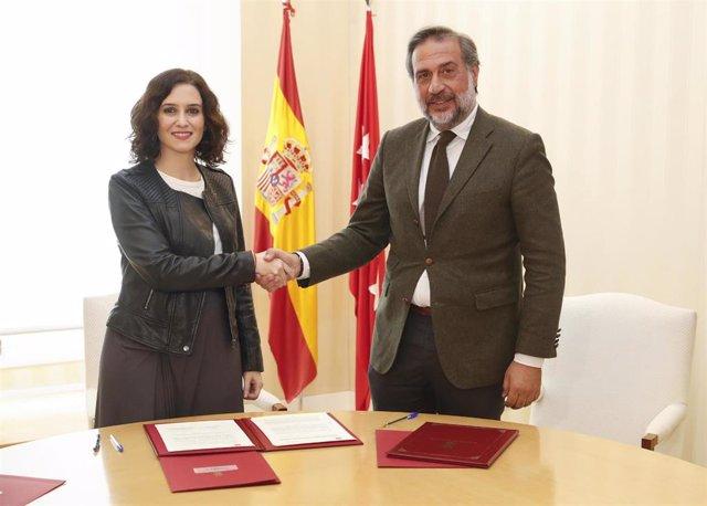 Imagen de recurso de la presidenta de la Comunidad de Madrid, Isabel Díaz Ayuso, y el presidente de la Cámara de Comercio, Ángel Asensio.