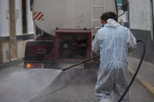 Labores de desinfección en La Algaba