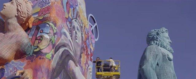 """Fotograma de """"Proceso Creativo"""", el documental de Agustín Ríos López sobre la falla municipal 2019 de PichiAvo y Latorre y Sanz Valencia"""