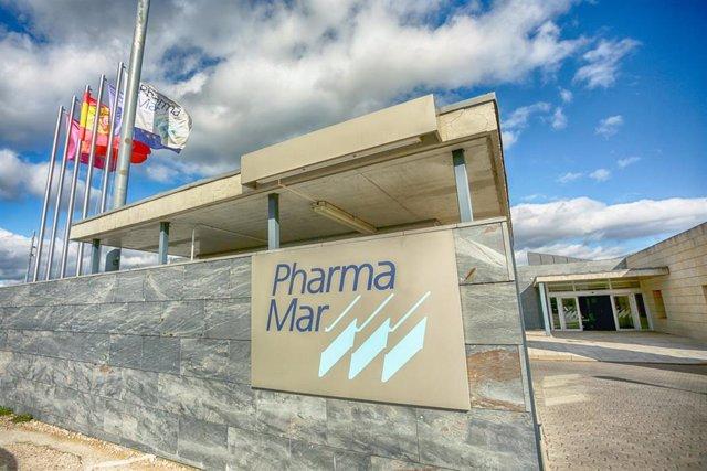 Entrada a la sede de PharmaMar, empresa que anunció el pasado martes día 3 de marzo que podría contar en menos de un mes con un tratamiento para tratar el actual brote de coronavirus, denominado Covid-19, en Colmenar Viejo/Madrid (España), a 5 de marzo de