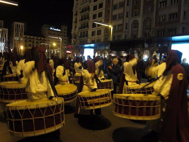 Procesión en Zaragoza, Semana Santa, cofradía, cofradías, cofrades, bombos