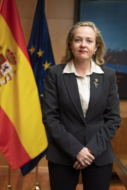 """Calviño defiende las """"eficaces"""" medidas del Gobierno y avanza más para mitigar ralentización e impacto laboral"""